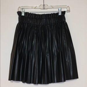NWOT- Zara faux leather skirt